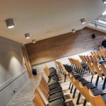 Très agréable et moderne chapelle pour l'Institut Notre Dame à Valence